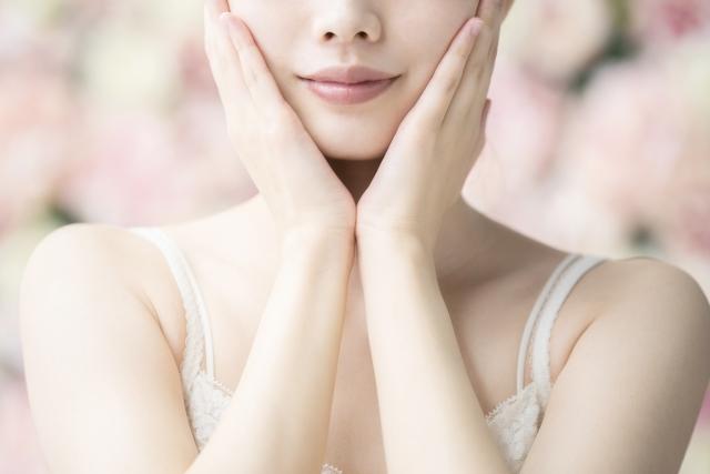 肌トラブルは便秘が原因