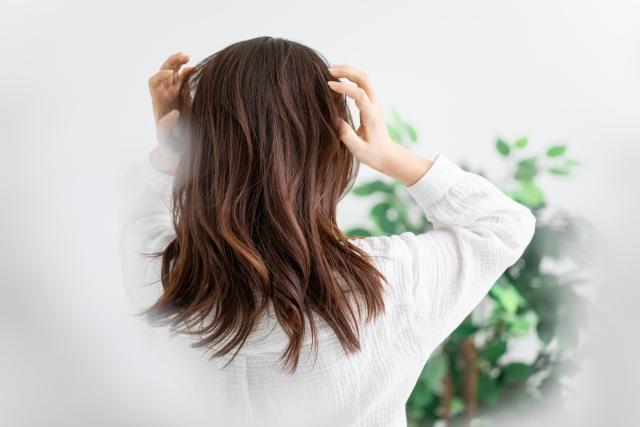 髪の毛が傷む摩擦について
