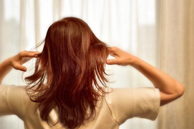 髪の毛が細く痩せてきた時の対処法