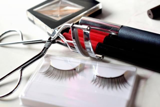 まつ毛美容液は「化粧品」